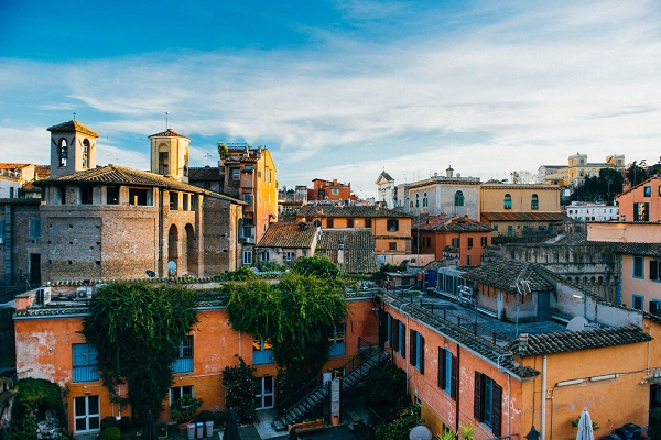Students at JCU can explore the Trastevere neighborhood while they study abroad