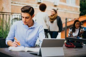 Starting Your College Senior Job Search, linkedin, jcu career services, finding a job after graduation, job finding tips for students, students studying at jcu